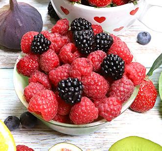 Kríky s drobnými plodmi